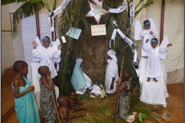 Presepe vivente con i bambini congolesi della Casa Famiglia Tupendane