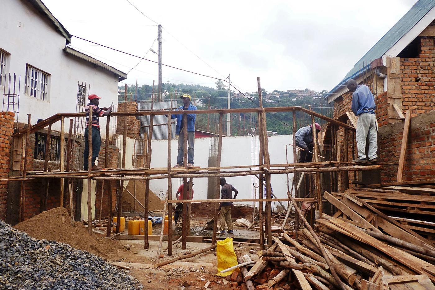 FdS - Uomini a lavoro per l'ampliamento della Casa-Famiglia Tupendane