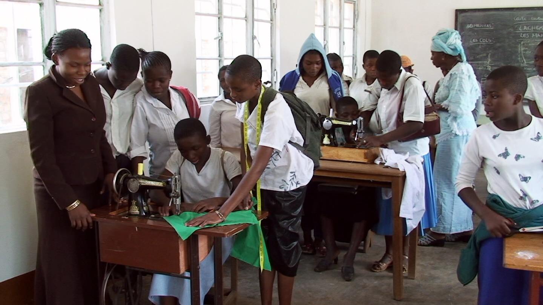 FdS - Bukavu, donne con macchina da cucire 2